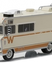 the-walking-dead-1973-winnebago-chieftain-1-64-diecast-greenlight-3_burned