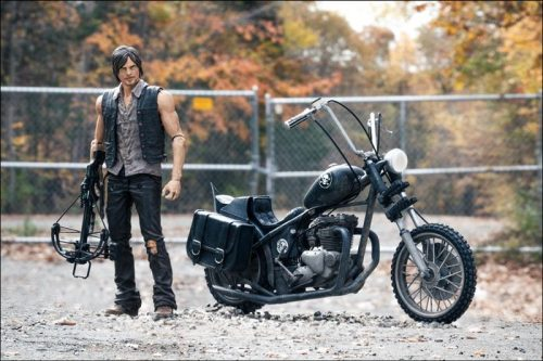 MCF14539--Walking-Dead-Daryl-Dixon-with-Chopper-E